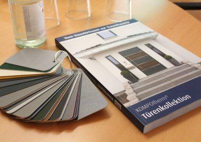 KOMPOtherm Katalog mit Farbfächer